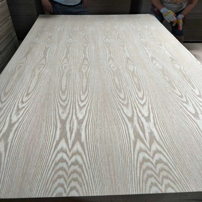 Waterproof Poplar Core Wood Veneer Plywood 1220*2440mm Standard Size